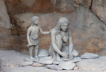 Travel guide Bhimbetka rock shelters