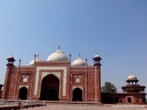 Mosque on the western side of Taj Mahal