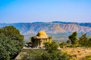 Jain temples in kumbhalgarh Fort in a day trip from udaipur